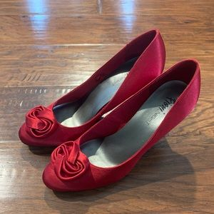 Fioni Night Red Infinite Rosebud Heels